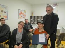 Robert Štimec dodjeljuje Priznanje HDLU Zagreb Stjepanu Perkoviću