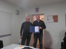 Robert Štimec dodjeljuje Priznanje HDLU Zagreb Tihomiru Cirkvenčiću